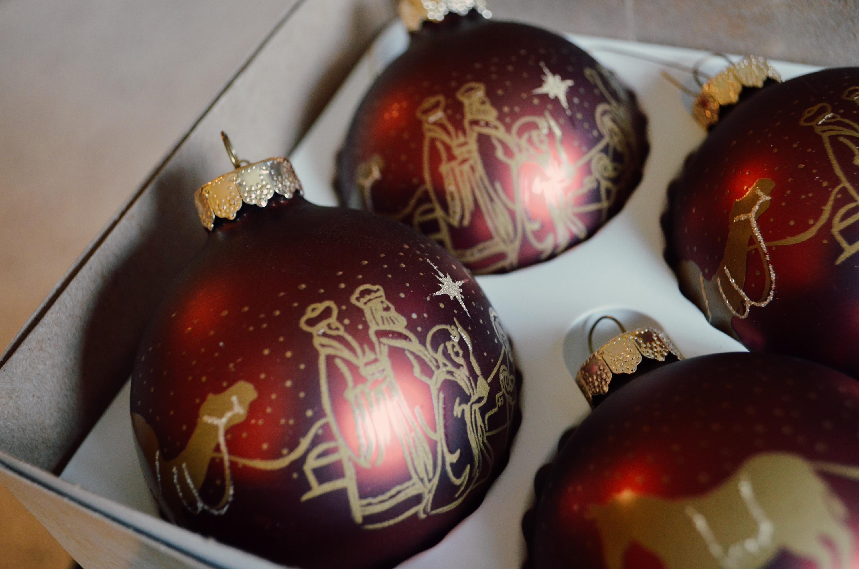 christmas-ball-manger