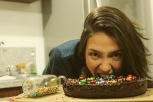 cake-woman-eating